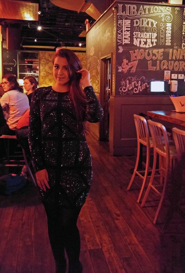 Dentro da festa era muito escuro então tirei no bar que tinha de entrada que tinha um pouco mais de luz.