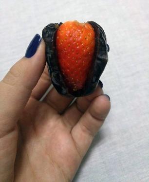 tamara-com-morango